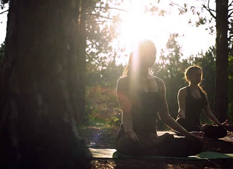lezione-yoga-breathe-nordikwalking-peuterey